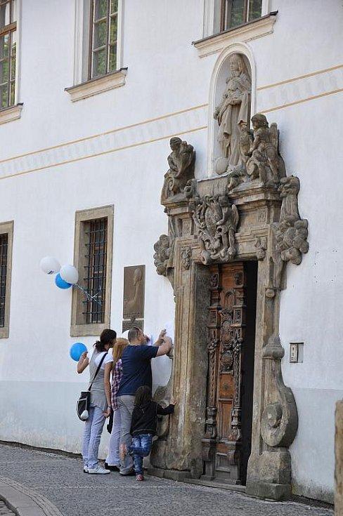 Dveře jedenácti objektů na zámeckém návrší se v úterý na  dva roky pro veřejnost zavřely.