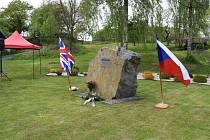 V Chotěnově vzpomínali lidé na letce Bedřicha Dvořáka