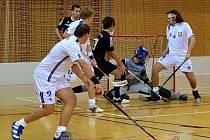Až v průběhu poslední třetiny zlomili litomyšlští florbalisté šesti góly  houževnatý odpor svých protivníků z Jaroměře.