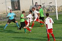 Morašičtí hráči to v Čisté neměli jednoduché, nicméně domácího brankáře Boštíka třikrát překonali a zvítězili.