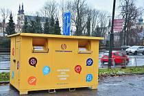 Nový kontejner na oblečení v Litomyšli.
