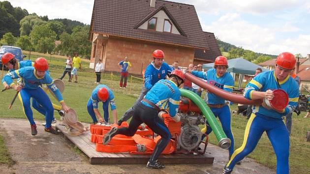 Dobrovolní hasiči se připravují na další sezonu závodů v požárním, sportu. Začíná již tento víkend v Širokém Dole u Poličky.