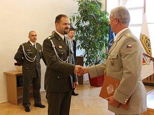 Předání diplomů na třebovské radnici.