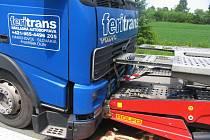 Nehoda kamionů.