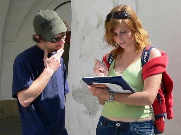 Studenti oslovili obyvatele Svitav a zjišťovali jejich názory na připravované změny.