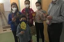 Děti z Dětského domova v Poličce dělají radost druhým.