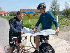 Cyklotrasu Svitava projel i krajský radní René Živný se starostou Svitav Davidem Šimkem.