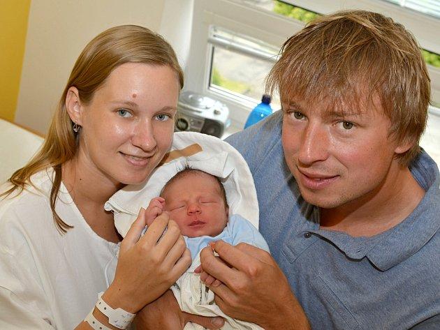 MILAN MEISL. Narodil se 14. června Evě a Milanovi ze Svitav. Měřil 51 centimetrů a vážil 3,6 kilogramu.