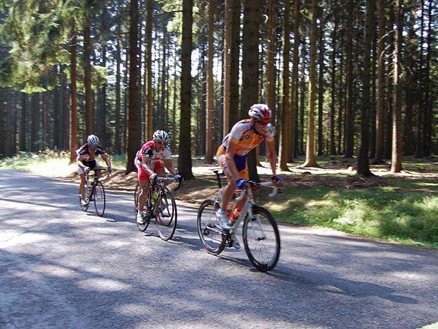 Svitavské sdružení cyklistů Mirva zvládlo silniční závod nejenom po stránce organizační, ale i výsledkové. Jeho jezdcům se dařilo.