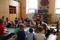 SEZNÁMENÍ S PŘÍRODOU může probíhat i zábavnou formou. O tom se letos přesvědčilo 449 dětí.