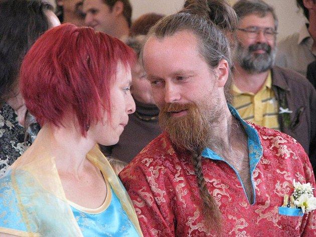 Netradiční svatba v jevíčské synagoze.