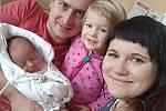 MARIANA BARTOŠOVÁ ze Zrnětína u Litomyšle se poprvé nadechla 2. února v 11:09 hodin. Mamince Evě, tatínkovi Lukášovi a dvouleté sestřičce Elence se pochlubila 3,25 kg a 50 cm