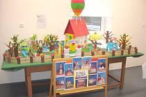 ŠKOLKA  SNŮ.   Výtvarné práce z osmi mateřských škol jsou od včerejška k vidění  v Poříčí.