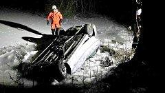 Nehoda v Poličce u rybníka.