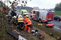 Citroen vyletěl u Svitav ze silnice. Řidič je naštěstí zraněný lehce.