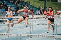 To ještě vedla. Eliška Červená (13) se řítila do cíle závodu na 100 metrů překážek první, ale na této pozici nedoběhla.