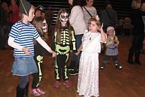Karnevalové nedělní  odpoledne bavilo děti i rodiče.
