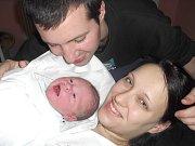 MATYÁŠ BUČKO.  Hoch se narodil 28. února ve 4.30 hodin v Litomyšlské nemocnici. Vážil  3,5 kilogramu a měřil půl metru. S maminkou Ivou a tatínkem Petrem bydlí ve Vysokém Mýtě.