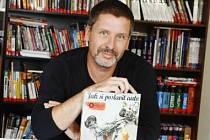 Spisovatel a grafik Martin Sodomka.