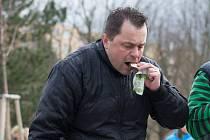 SOUTĚŽIVÝ JEDLÍK Jaroslav Němec z Bystrého v sobotu slavil úspěch. Vyhrál pět soutěží v pojídání.