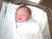 PATRIK FUČÍK. Hoch se narodil 24. dubna v 5.30 hodin ve svitavské porodnici. Vážil 3,15 kilogramu a měřil půl metru. S rodiči Lucií a Jiřím bude bydlet v Litomyšli. Tatínek byl mamince u porodu oporou.