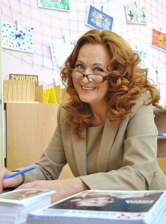 Herečka Simona Stašová navštívila vneděli speciální školu vLitomyšli.