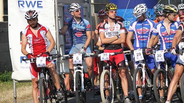 Tropické vedro a úctyhodnou dávku kilometrů zvládlo při Moravskotřebovském cyklomaratonu 2010 sto šedesát cyklistů.