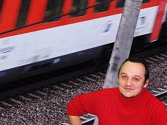 Personál na železnici ohrožují násilníci. Na průvodčího Marka Vymazala zaútočil v kupé muž, když ho  požádal o jízdenku.