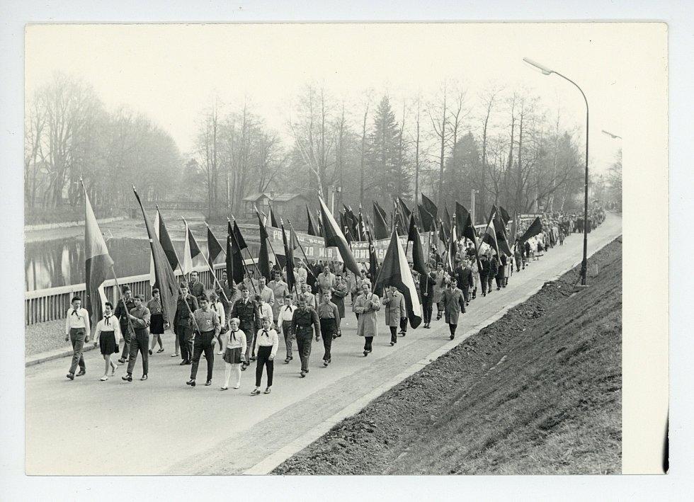 1. máj za minulého režimu v Poličce.