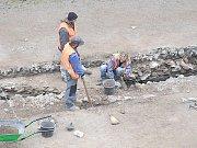 I bronzová spona přispěla k určení nálezu kostry