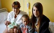 JIŘÍ PRCHAL je druhým dítětem Lucie a Jiřího z Květné. Narodil se 6. srpna v 19.06 hodin, vážil 3700 gramů a měřil 50 centimetrů. Doma na něj čeká bráška Lukášek.