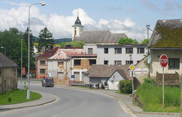Bývalá mlékárna v centru Městečka Trnávky se mění na obecní dům.