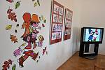 Vernisáž děl Radka Pilaře si užily také děti. Vytvořily si pohyblivého kašpárka, knížku s ptáčky proměňáčky nebo divadélko. Zájemci si vyzkoušeli animaci.