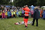 Záchranáři ukázali dětem základy první pomoci