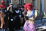 Čarodějnice v podání Květoše Sošky, rodáka z Gruny, přiletěla z Linhartice, kde nyní žije.