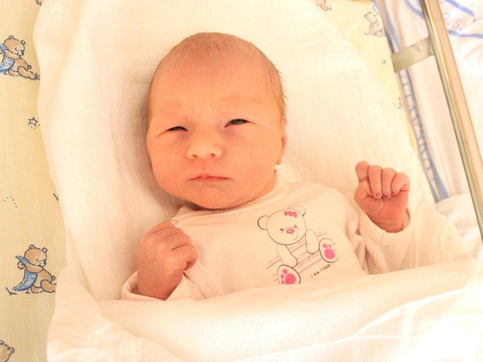 LILIANA KINTROVÁ. Holčička se narodila 29. září ve 13.22 hodin. Vážila 3,1 kilogramu a měřila 49 centimetrů. Tatínek Lukáš byl mamince Daniele u narození dcery oporou. Rodina bydlí ve Svitavách.