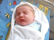 TOBIÁŠ VALACH. Narodil se 24. dubna ve 2.40 hodin ve svitavské porodnici. Vážil 3,63 kilogramu a měřil 51 centimetrů. S rodiči Lenkou a Josefem bude doma v Městečku Trnávce.
