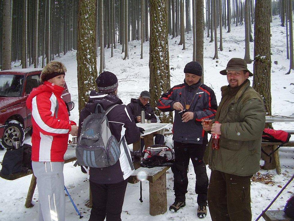 Turisté na 34. ročníku pochodu Jarní přírodou v Jaroměřicích.