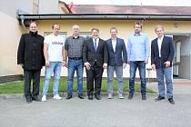 Nově zvolený Výkonný výbor PKFS: zleva Aleš Meloun, Roman Žďárský, Kamil Schmeiser, René Živný, Miroslav Švihálek, Pavel Brandejs a Jindřich Novotný.