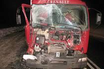 Srážka autobusu a kamionu na trase z Litomyšle do Vysokého Mýta.