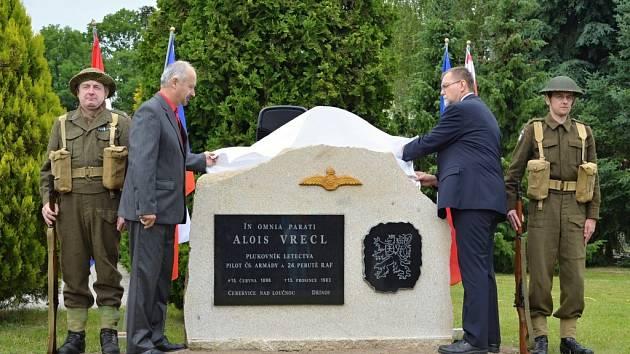 Slavnostní odhalení pomníku Aloisi Vreclovi v Cerekvici nad Loučnou.