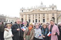 Slavnostního ceremoniálu, při kterém byl Dominik Duka jmenován kardinálem, se zúčastnila v Římě i Hana Frančáková z Koclířova.