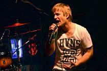 I pod novým názvem skupiny odvádí na pódiu Kryštof Michal výkon, na který jsou jeho fanoušci zvyklí. Je to nejlepší vizitka, jakou může do světa  hudby poslat a neohlížet se na minulost.