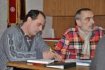 Jednání v Makově  přineslo  posun v záležitosti.  Zástupci občanského sdružení  požadují, aby společnost Drupork  otestovala přípravek ostravské firmy na odbourávání čpavku.