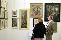 Obrazy Františka Strážnického mohou milovníci výtvarného umění obdivovat v galerii v moravskotřebovském muzeu ve stálé expozici.