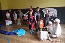 Děti si připravily besídku pro své blízké.