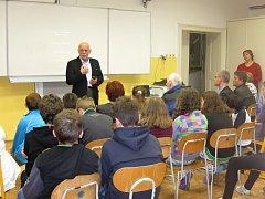 Ve škole v Radiměři vzpomínali na Listopad.