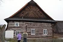 Selská usedlost Č. 16 v Telecím patří k unikátním stavbám v zemi. Měla by být zapsaná do seznamu národních kulturních památek.