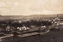 POD KŘÍŽOVÝM VRCHEM. Dělnický ubytovací tábor roku 1941 byl v Moravské Třebové v místech dnešní ulice Nerudova.