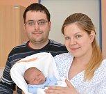 MIROSLAV HOUDEK. Narodil se 11. května Lence a Miroslavovi z Koclířova. Měřil 51 centimetrů a vážil 3,74 kilogramu.